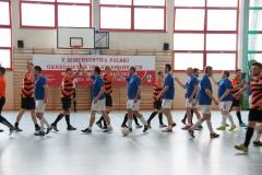 Przywitanie przed meczem - OIA w Łodzi (stroje niebieskie) i SIA w Katowicach (stroje pasiaste).