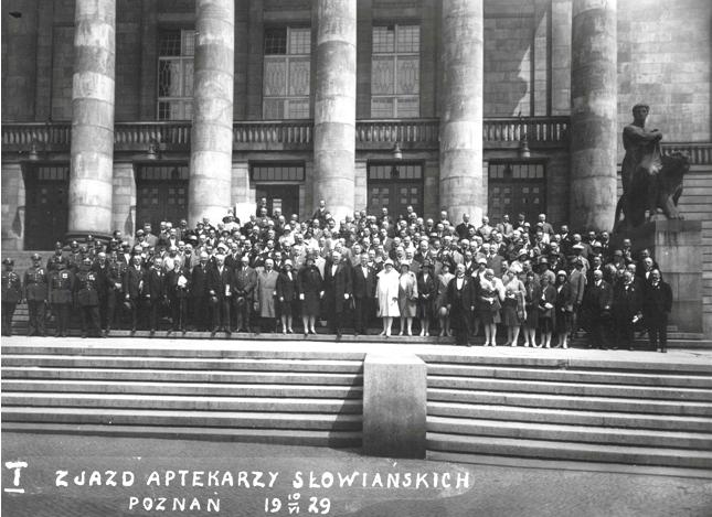 Fotografia pamiątkowa uczestników zjazdu