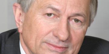 Prof. Janusz Pluta